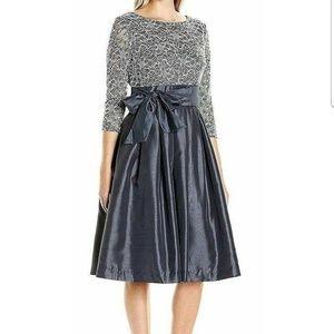 Jessica Howard Pleated Women Dress